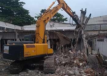 Locação de rompedor demolidor